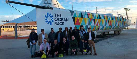 Alumnos de LaLiga Business School en la Ocean Race, Alicante (España)